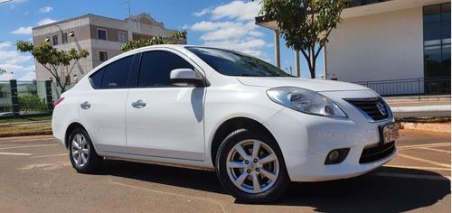 Nissan Versa 2014 1.6 16v Sl Flex 4p