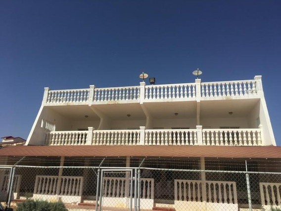Casa En Venta En Villa Marina. Los Taques