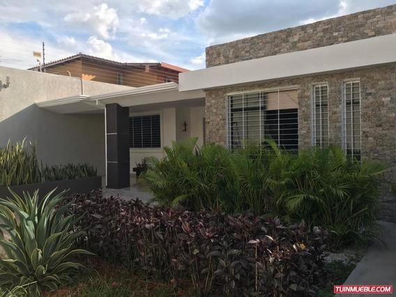 Casa En Venta La Floresta Maracay Ng 19-13958