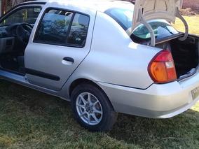 Nissan Platina 1.6 A At 2005