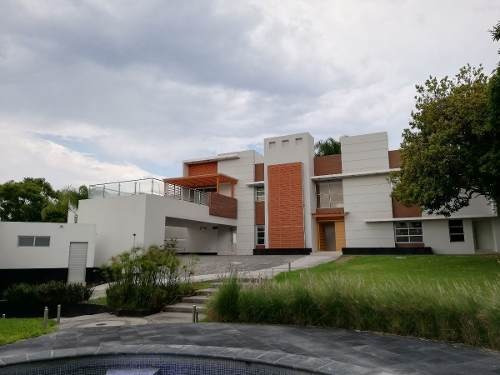 Residencia Moderna En Renta, Colinas De San Javier