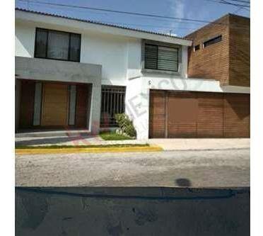 Casa En Venta En Fraccionamiento Rincones De La Calera Puebla.