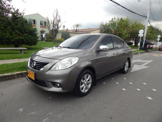 Nissan Versa Advance 1.6 Mec