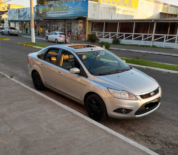 Ford Focus Sedan 2.0 Ghia Aut. 4p 2009
