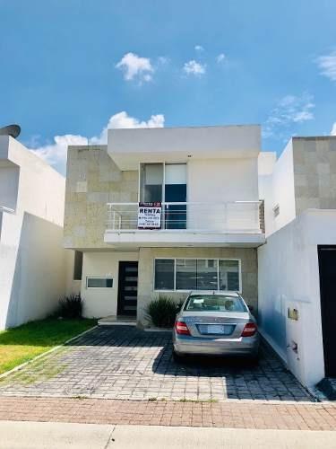 Se Renta Bonita Casa En Valle De Juriquilla