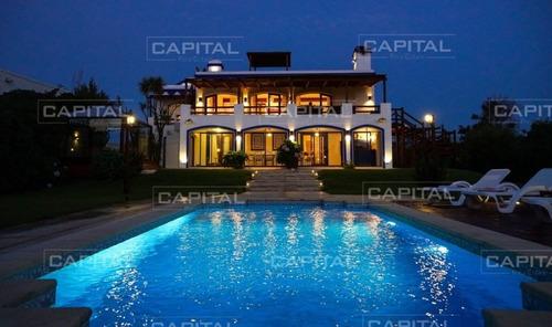 Casa En Venta Jose Ignacio- Ref: 27298