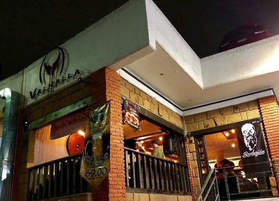 Muy Bonito Restaurante Bar Con Tematica Vikinga