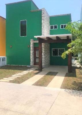 Venta De Casa Tipo Hacienda En Residencial El Cielo