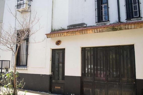 Carlos Ortiz Al 900 - Excelente Casa Ex-municipal Reciclada Con Cochera! Oportunidad