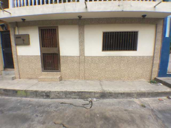 Venta De Casa En Caño Amarillo Monte Piedad Caracas