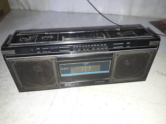 Radio Portátil Toca Fitas E Fm Cce Cs-1400 A