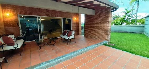 Townhouse En Venta En El Hatillo. Mls #20-20733