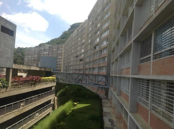 Apartamentos En Venta Parque Caiza 20-10127 Rah Samanes