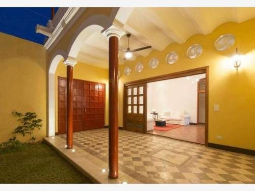 Casa Sola En Venta Zona Centro