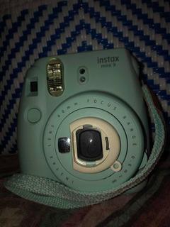 Cámara Fujifilm Instantánea Color Azul Hielo