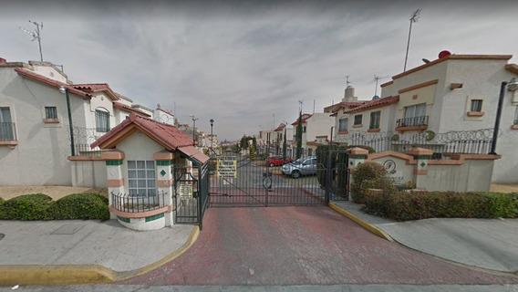 Casa En Venta Con Remate Bancario En Villa Del Real Tecamac