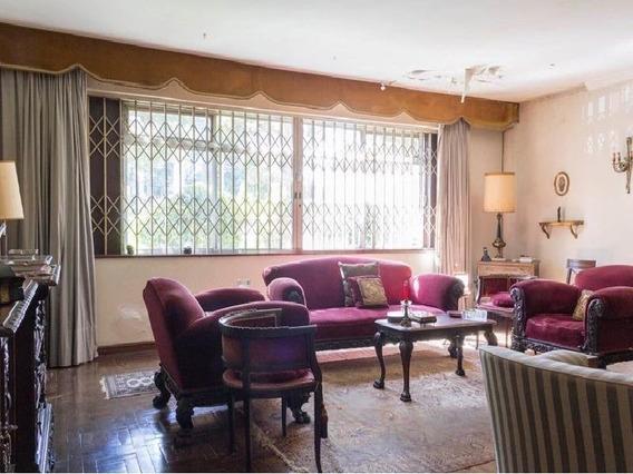 Casa/sobrado Que Atende Tanto Residencial Como Comercial. Devido A Sua Localização E Dimensões. - 226-im258839