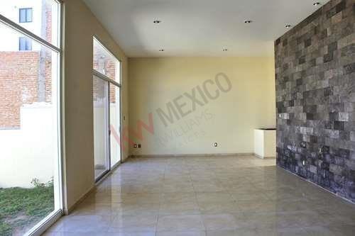 Casa En Lomas Del Tec, Amplios Espacios Y Amenidades Cercanas $4,550,000.00