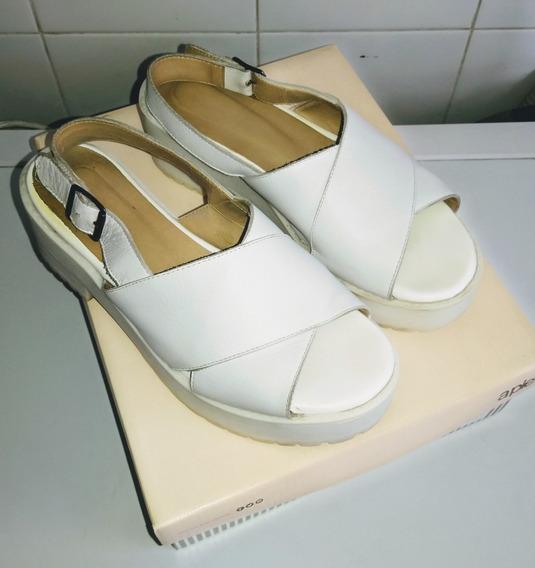 Sandalias A Pie Blancas