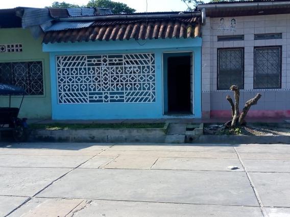 Amplia Casa En Venta ,en La Mejor Zona De Punchana 942022292