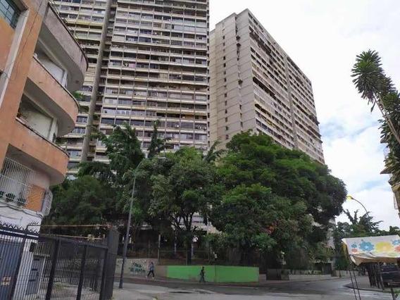 Apartamento En Venta Urb.bello Monte Código:20-21552 Dexy