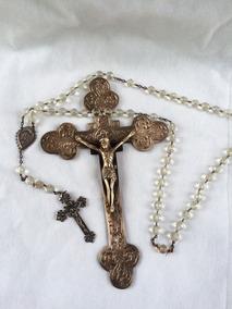 Crucifixo De Metal E Terço De Contas Com Medalha De Prata