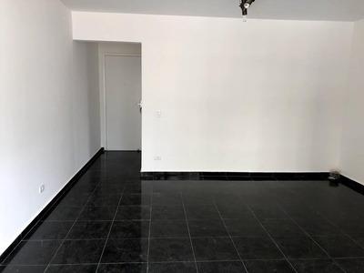 Locação Em Moema, Dois Amplos Dormitórios, Uma Vaga, Lazer E Fora De Rota. - Ap0593