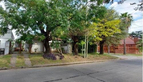 Casa Chica Para Reformar, Sobre Lote 200 M2 En Ituzaingó