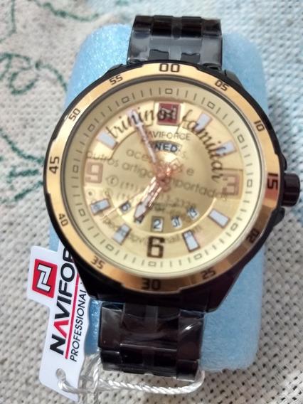 Relógio Com Caixa E Pulseira Preta Em Aço Inoxi