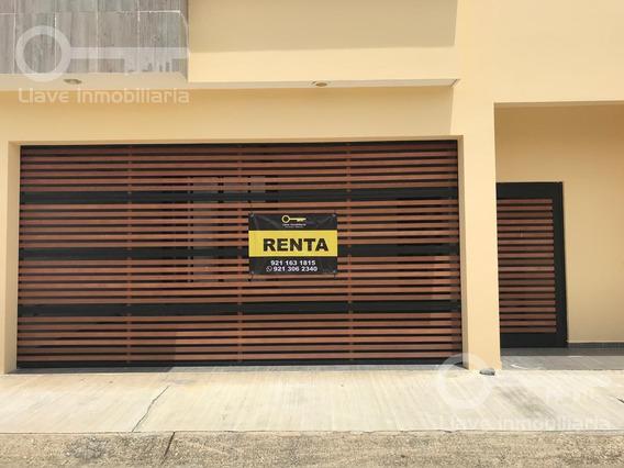 Casa En Renta, Gilberto Aceves, Frac. Privada Paraíso