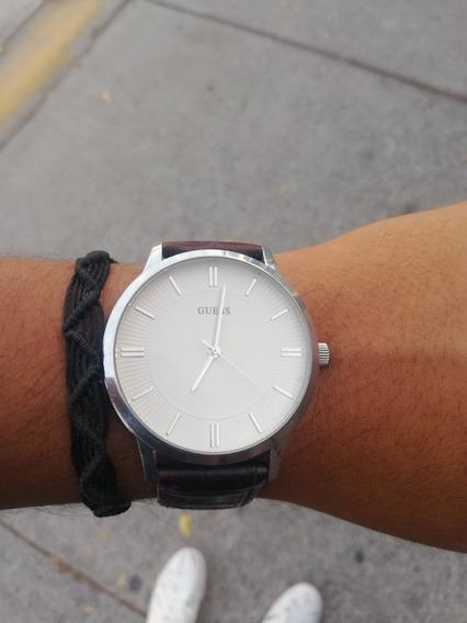 Reloj Guess Modelo W0664g2 Con Correa De Cuero Café.