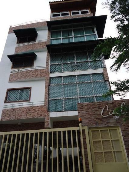 Venta De Apartamento En Gazcue, Santo Domingo