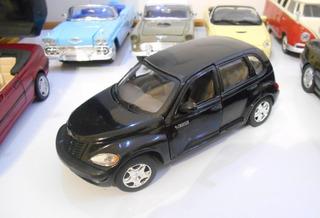 1:24 Chrysler Pt Cruiser (1999) Minivan Motormax Usado
