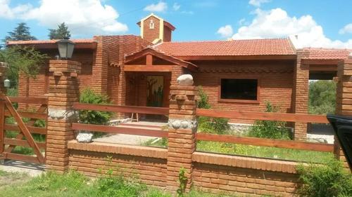 Imagen 1 de 2 de Venta De Casa En Barrio Las Gemelas - Capilla Del Monte