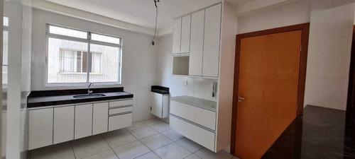 Excelente Apartamento 03 Quuartos Com Varanda - 3000