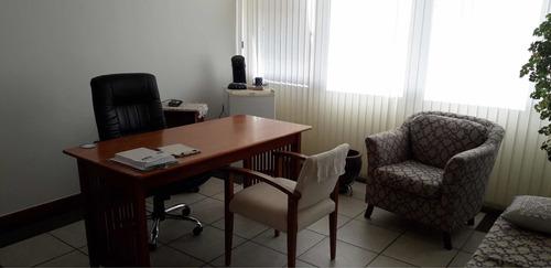 Consultório Medico Com 32 M2, Nascente, 6 Andar, Reformado.