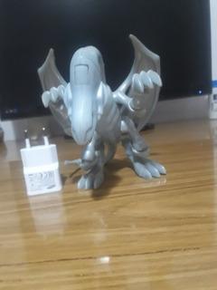 Figura Dragon Blanco Ojos Azules