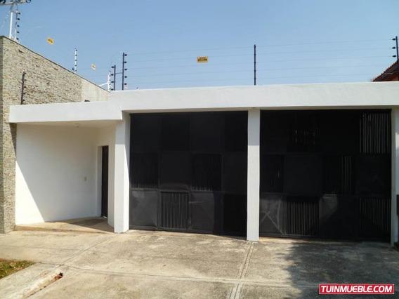 Casa En Venta En Urb. El Trigal Centro Cod. 19-8178 Dgv