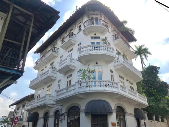 Apartamento En Alquiler En Casco Antiguo 20-8538 Emb