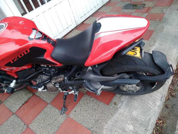 Ducati Monster 1200 Modelo 2014