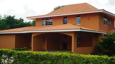 Se Vende Villa 4 Habitaciones En Guavaberry, Juan Dolio
