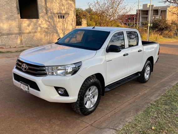 Toyota Hilux 2.7 Cabina Doble Sr Mt 2019