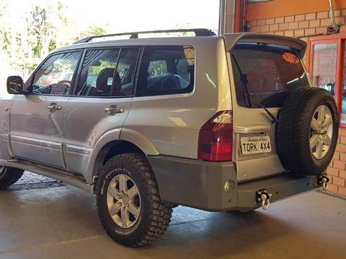 Imagem 1 de 5 de Para-choque Traseiro Mitsubishi Pajero Full 2001-2007 (5p)