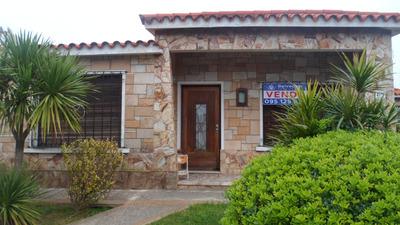 Casa 3 Dormitorios 2 Baños 1 Cochera