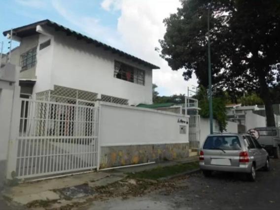 Se Vende Casa 300m2 4h+s/4b/4p Santa Cecilia