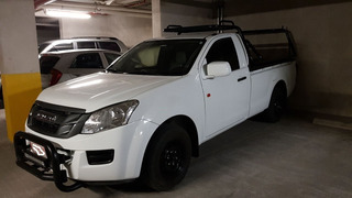 Isuzu Turbo Diesel Pick Up