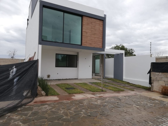 Casa Nueva Con Roof Garden En Coto En Solares Residencial