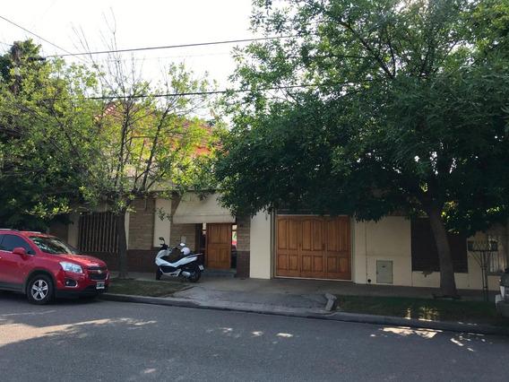 Casa Centro De Neuquen -vendo - Permuto Por Menor Valor