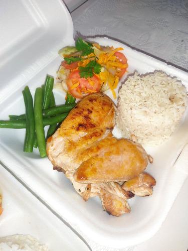 Imagen 1 de 9 de Almuerzos Y Comidas Por Encargo.