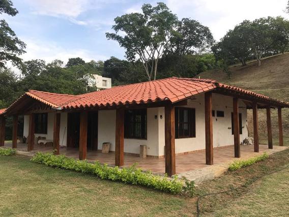 Casa Campestre, Una Sola Planta Y Mucho Espacio Para Ampliar
